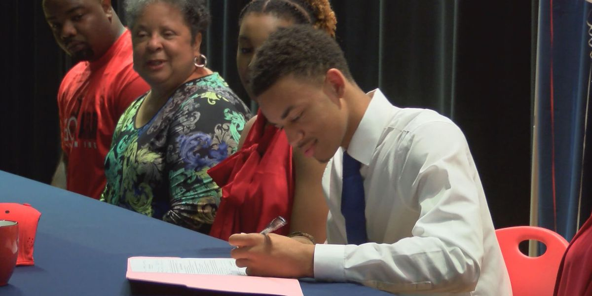 Westover's Williams signs to play ball in Denver