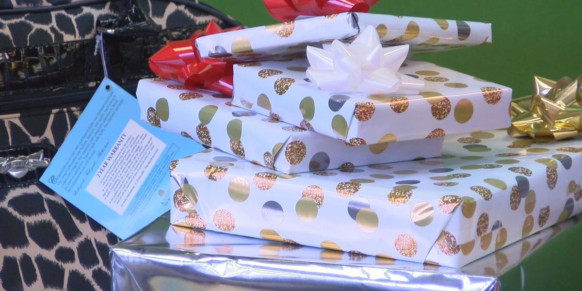 Tax preparer gives Christmas gifts to mother in need