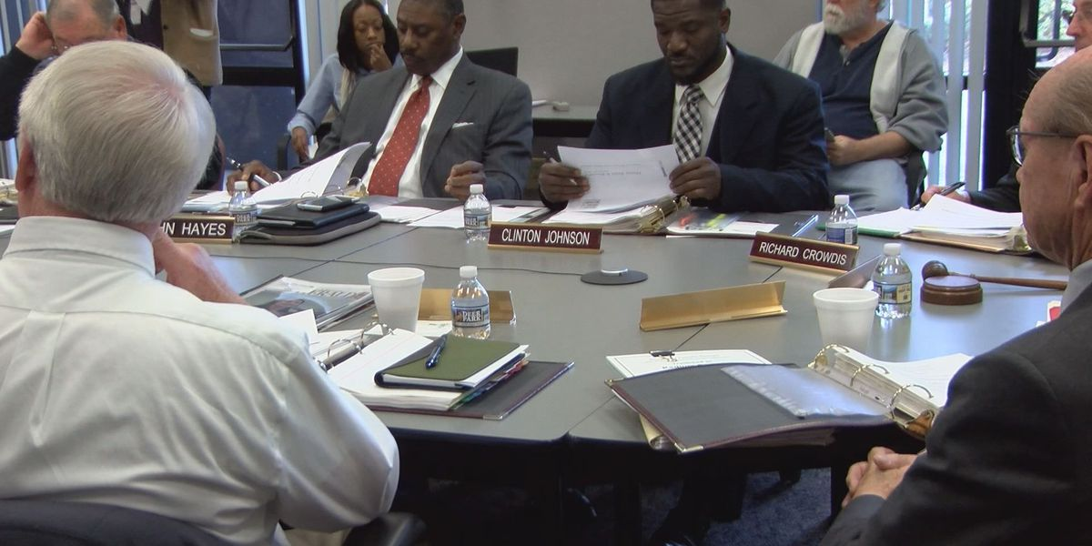 Dougherty Co. commissioners learn more about EMS proposal