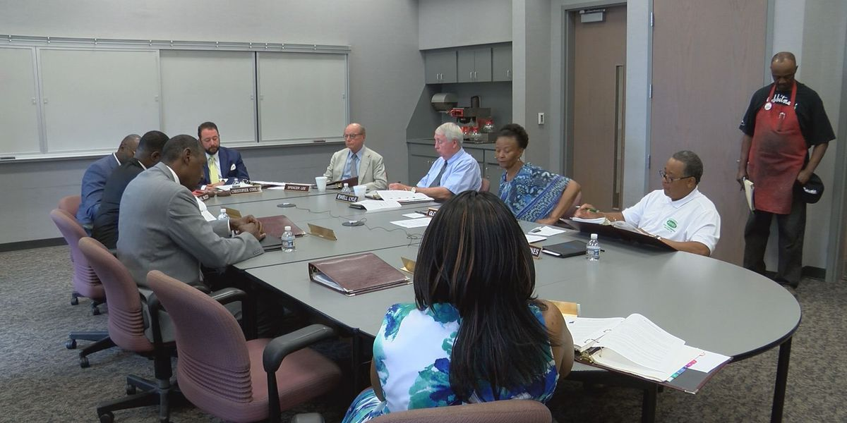 Dougherty County commission considers extending contract with lobbying group
