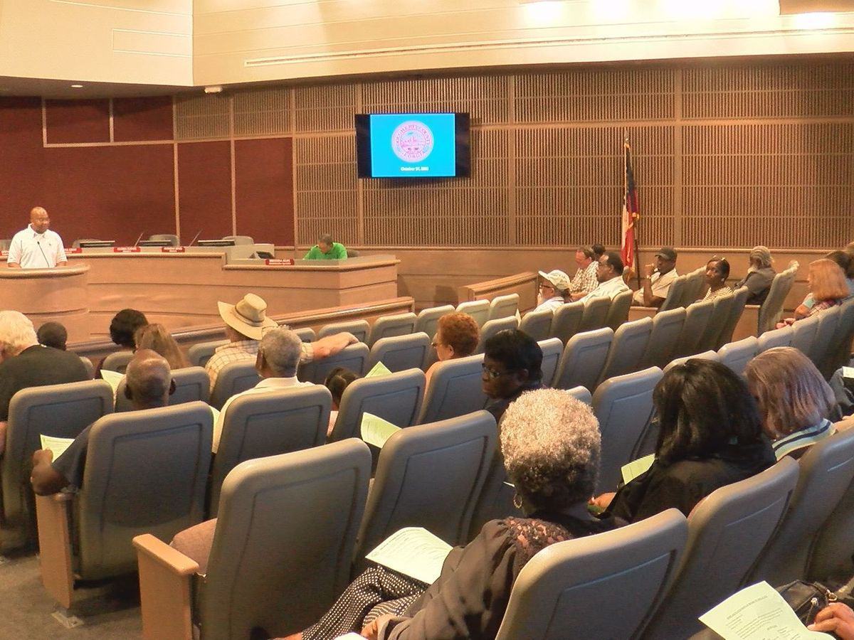 Dougherty Co. commissioner holds town hall on recovery efforts