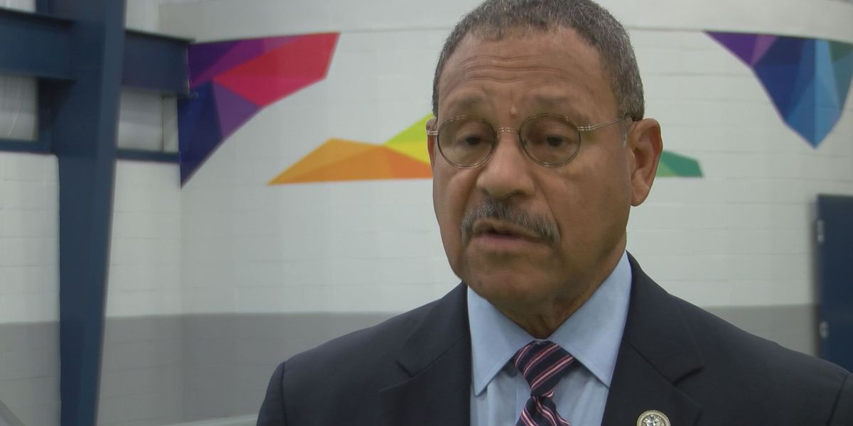 Congressman Sanford Bishop invites students to submit artwork for competition