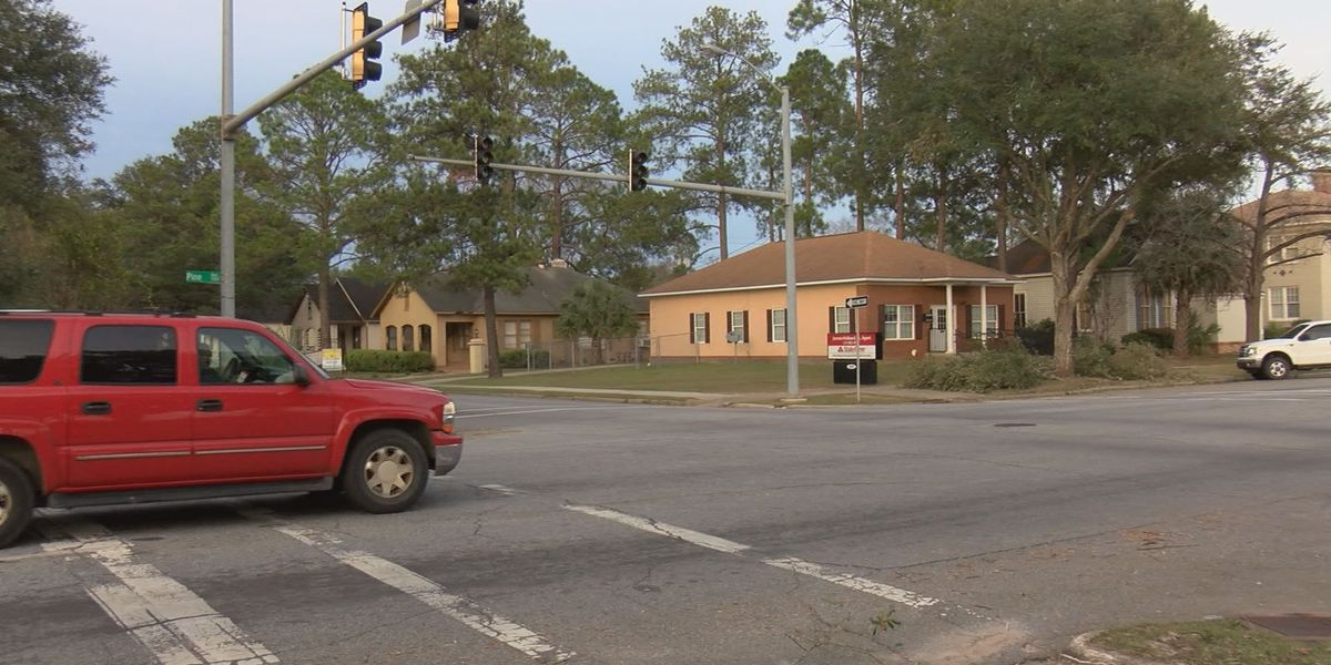Albany Police urge caution at intersections without working traffic lights