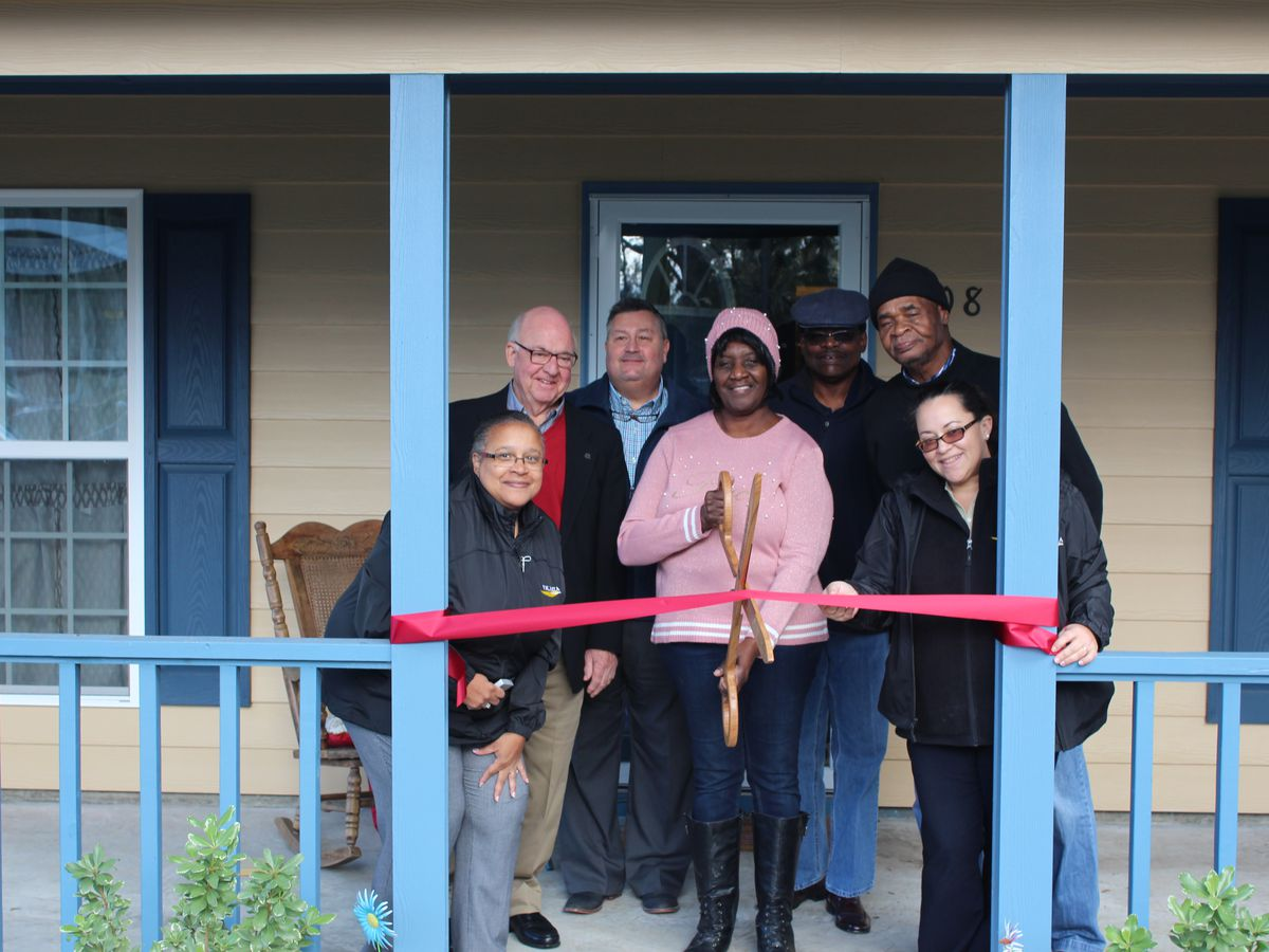 'All I could do was look around and cry.' Valdosta home makeover moves woman to tears