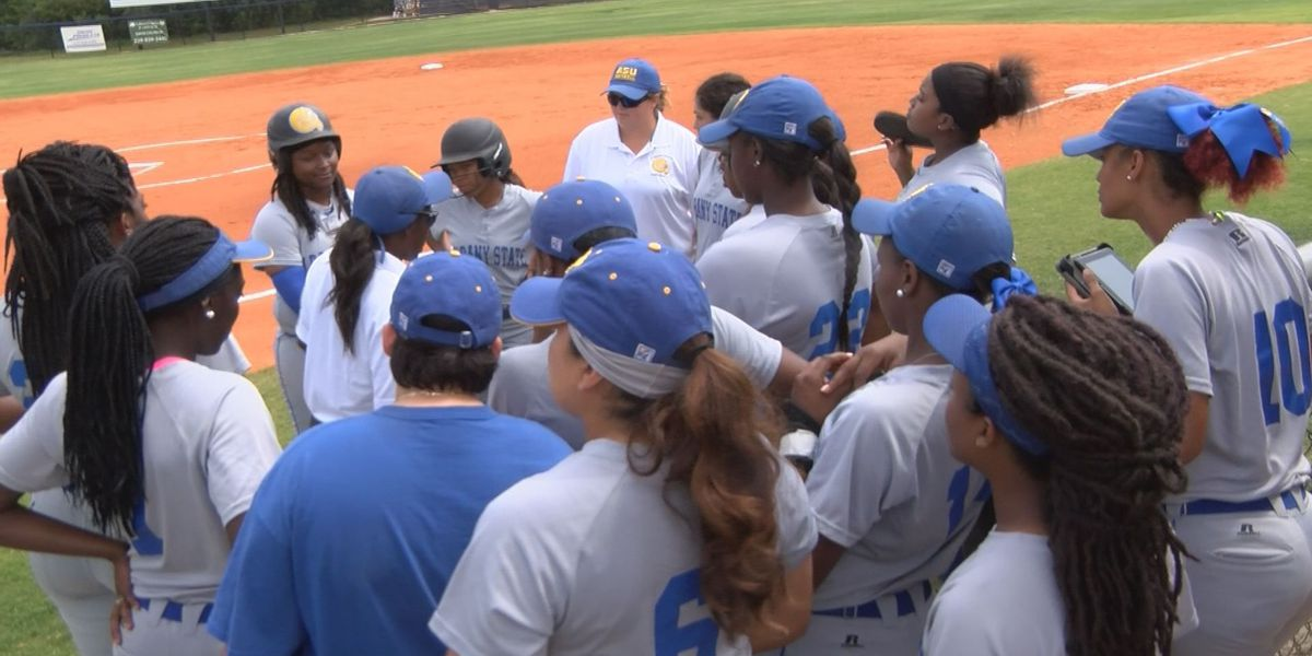 Lady Rams split road doubleheader with GSW