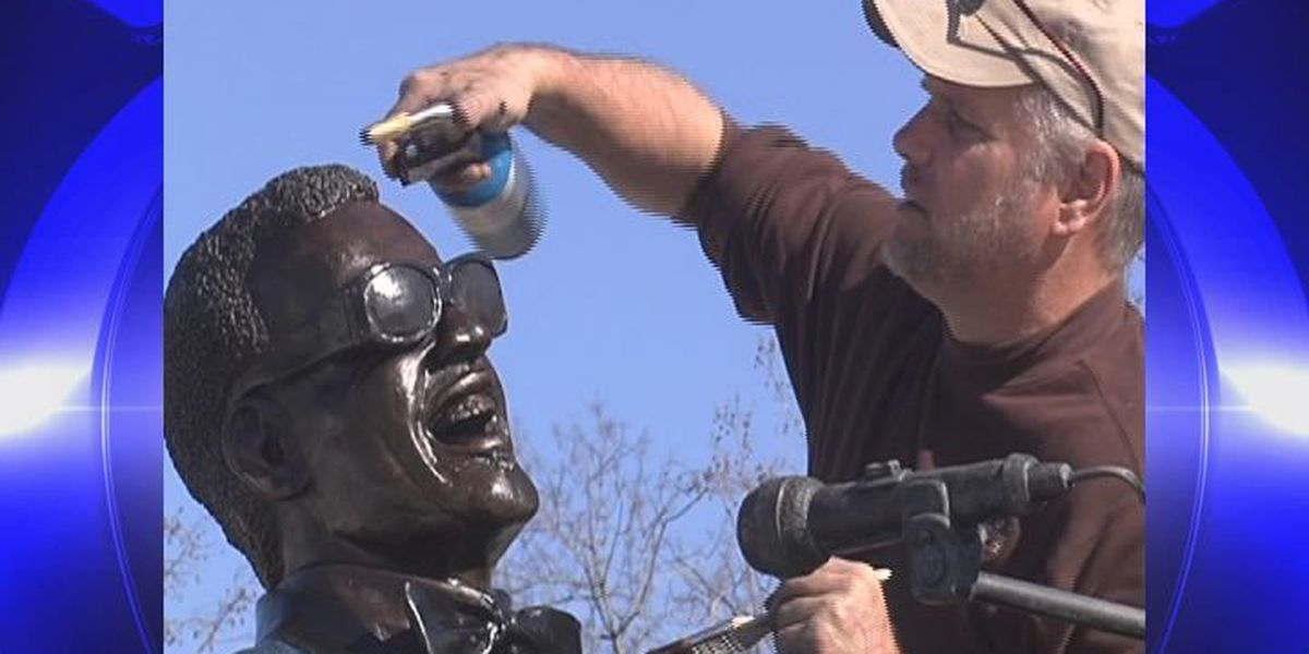 Memorial service set for sculptor of Ray Charles statue