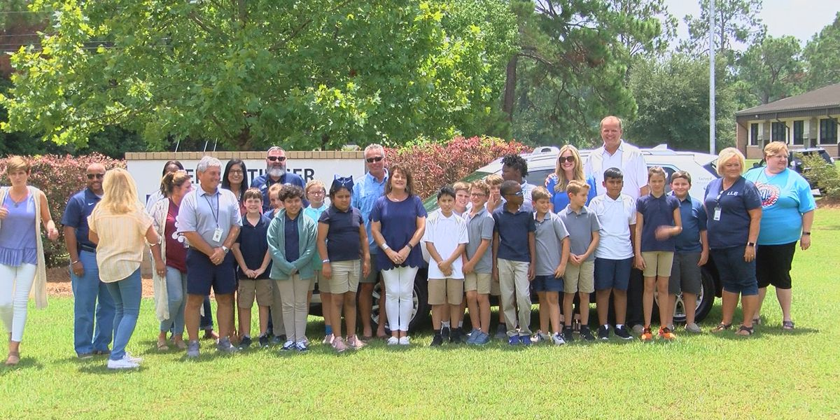 Tift Co. staff members receive new cars to bring in the school year