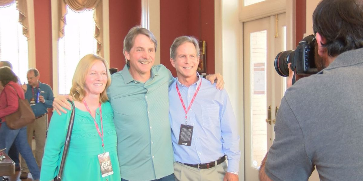 Jeff Foxworthy performs for sold-out crowd to benefit storm survivors