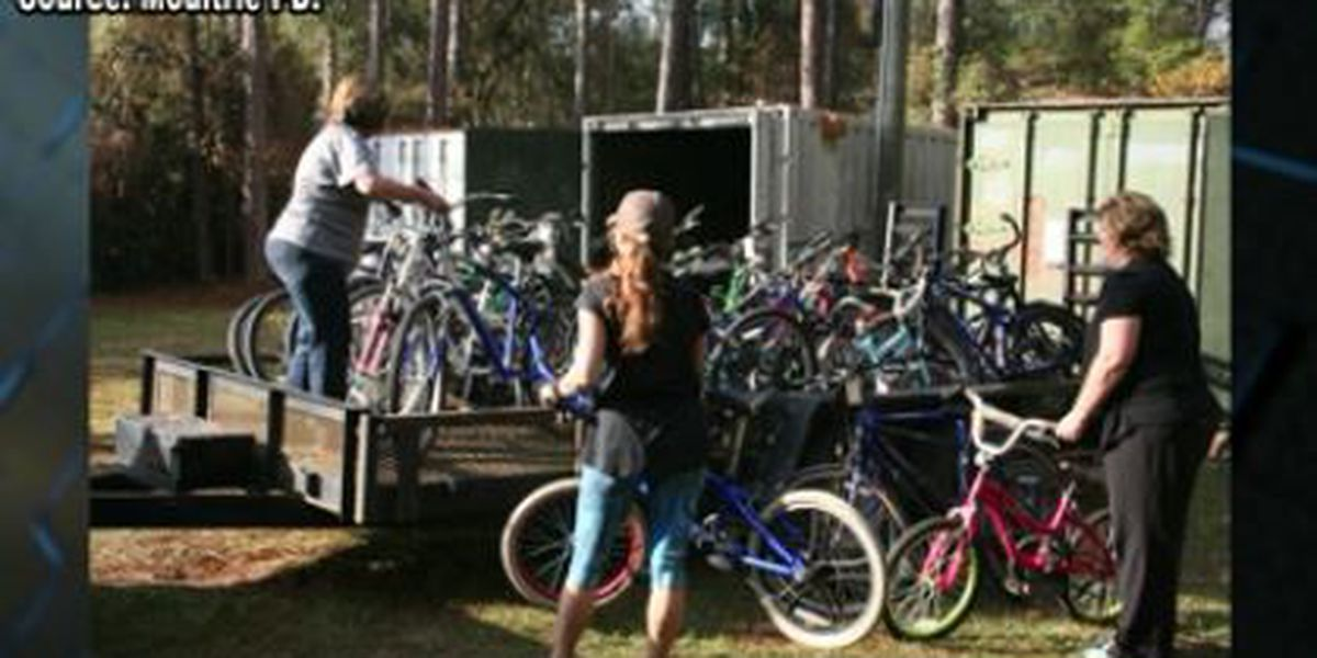 Moultrie PD gives 100 unclaimed bikes to United Way