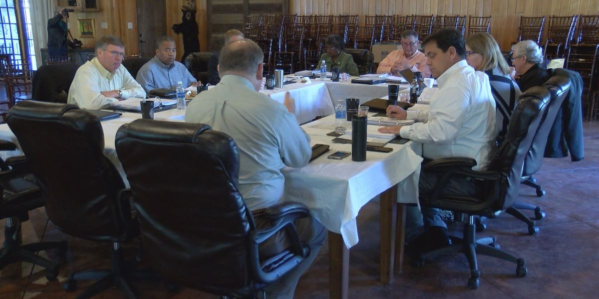 Lowndes Commissioner discuss hot topics