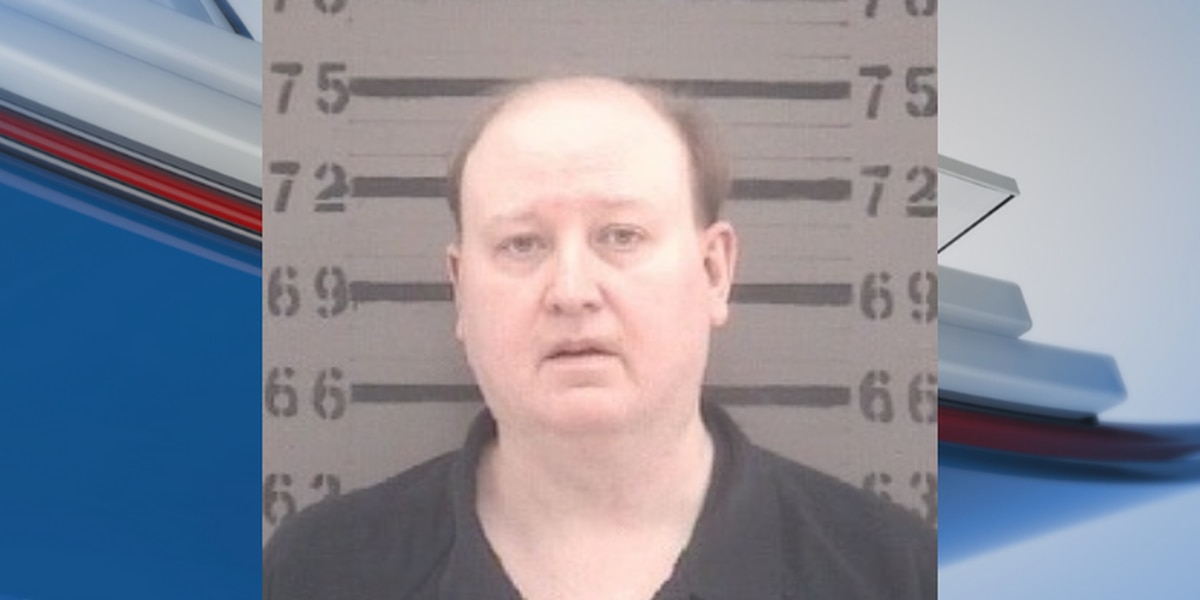 Albany man charged after threatening campaign worker