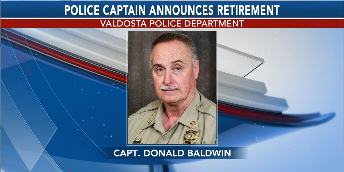 Valdosta police captain retires after 42 years