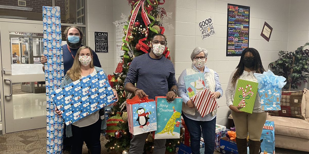 Pine Grove Middle School gives back this holiday season