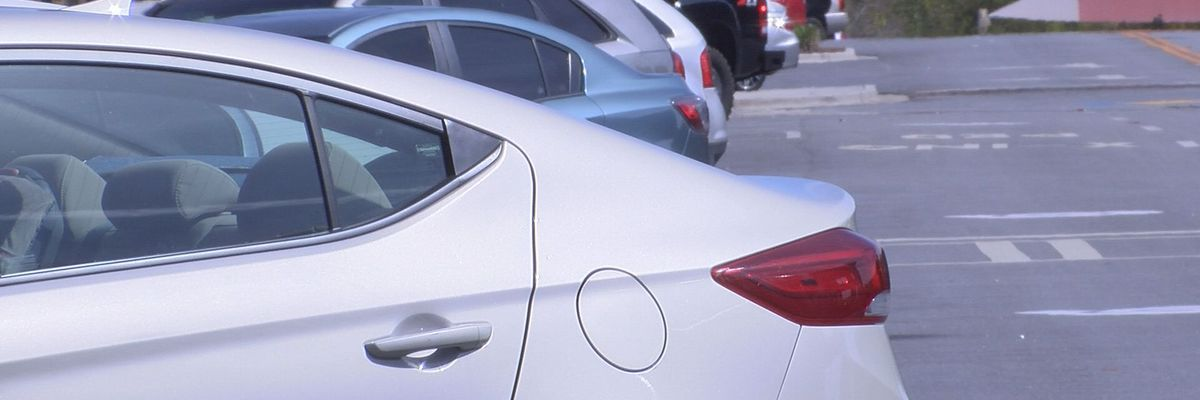 Police investigate series of car break-ins near downtown apartments