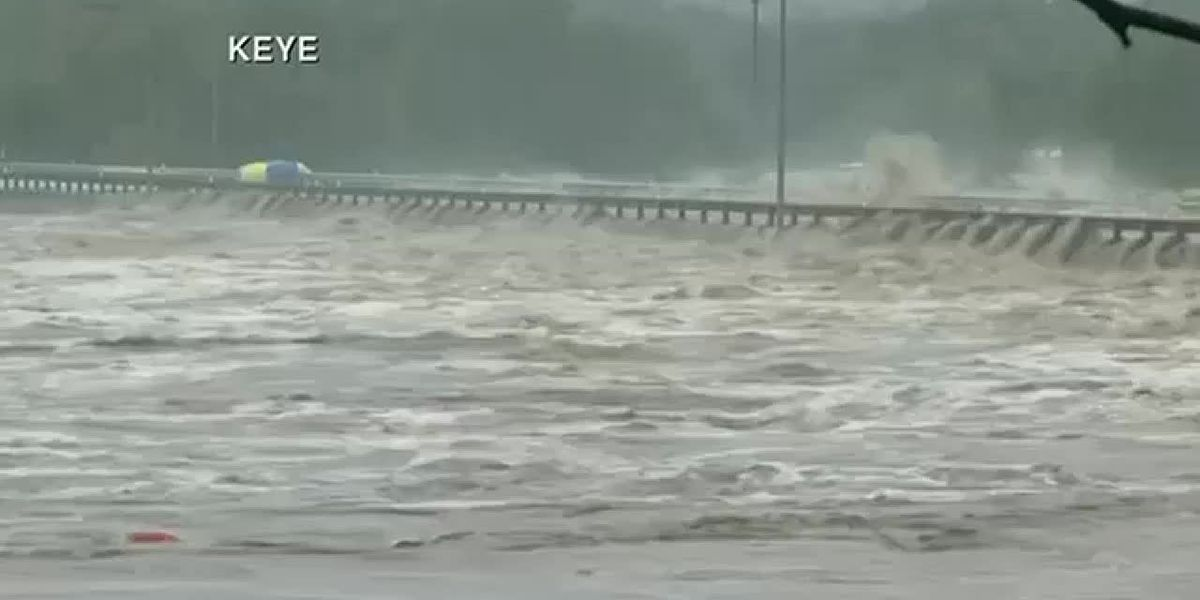 Central Texas flooding kills at least 1 as heavy rains batter region