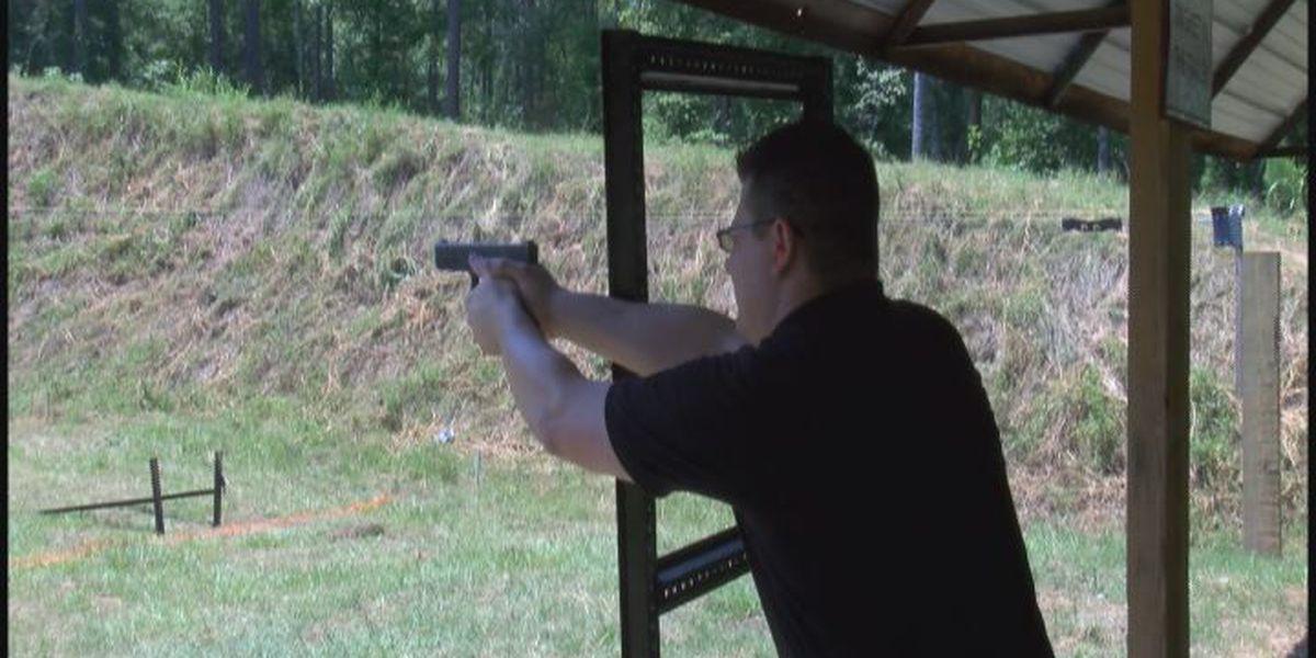 Thomas deputies switch weapons