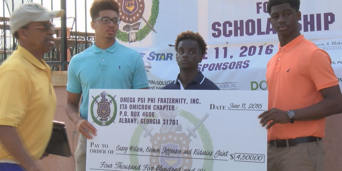 Golf tournament pushes 3 scholars toward their dreams