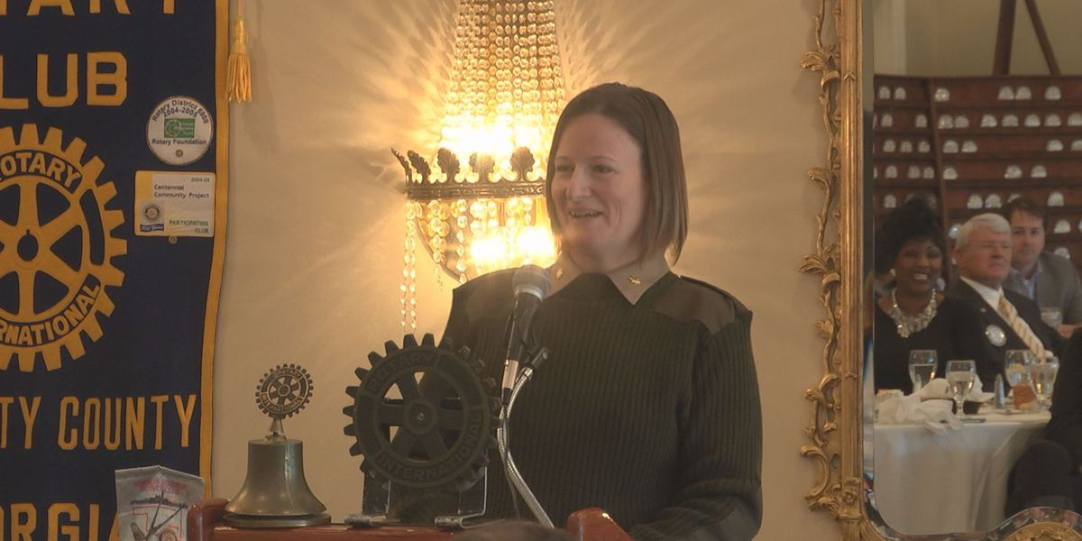 Major Petra Seipel speaks at the Rotary Club