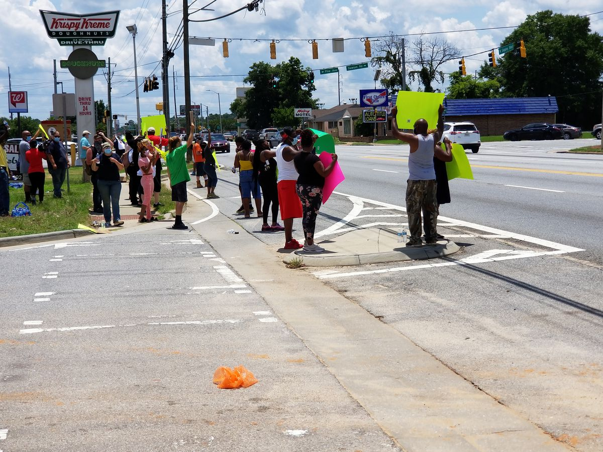 Peaceful protest against killing of George Floyd held in Albany