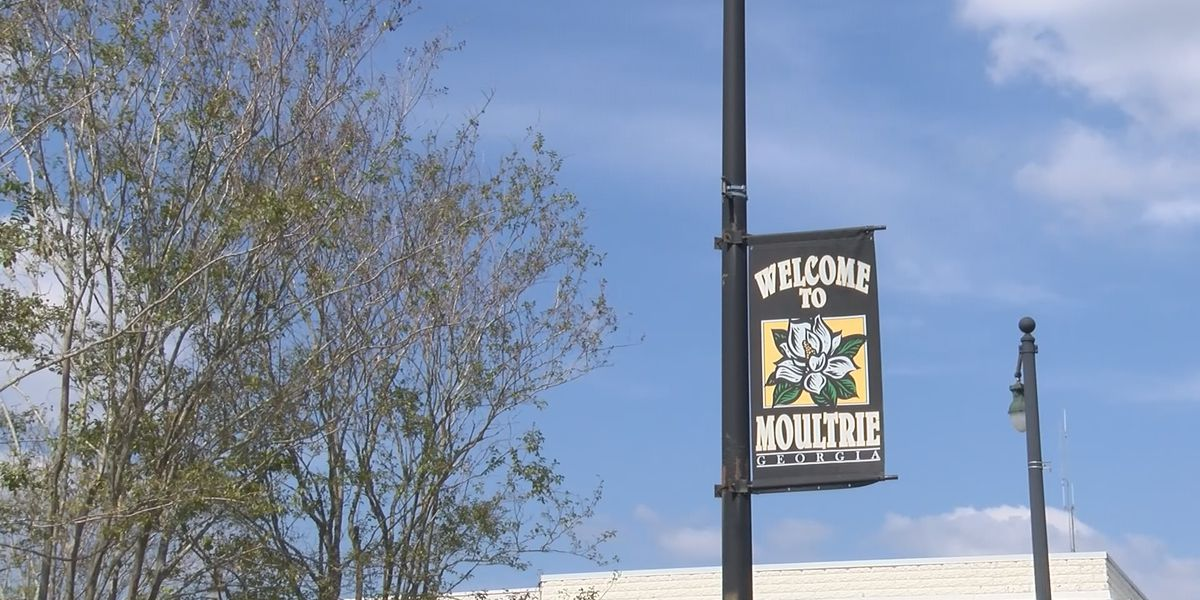 Moultrie holds downtown retail events