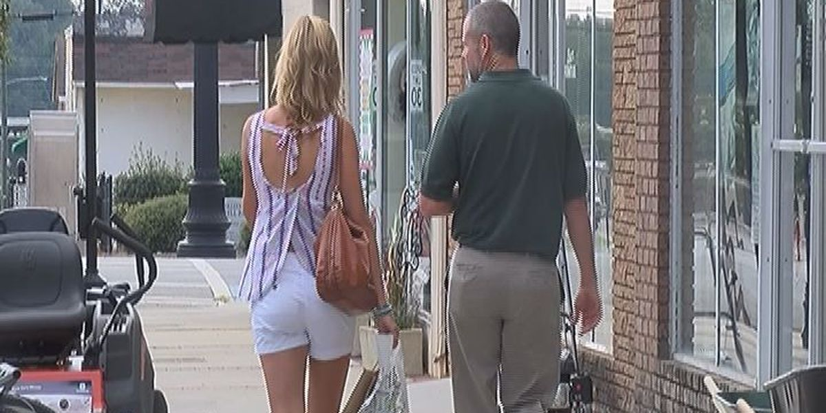 'Sip and See' aims to curb Camilla's summer lull downtown