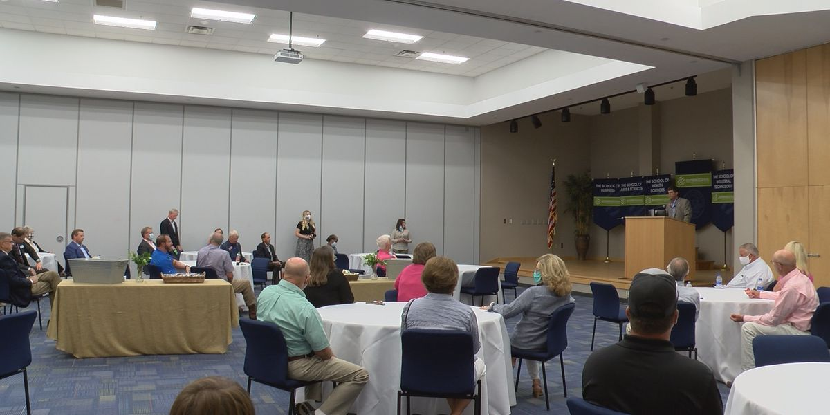 Rep. Sam Watson holds meet and greet in Moultrie