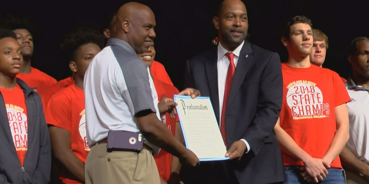 Thomasville leaders honor basketball champions