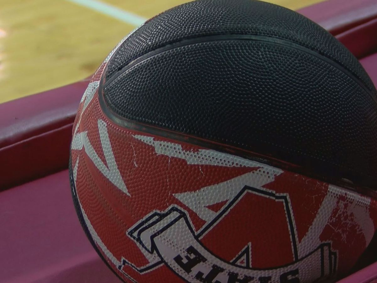 Valdosta State University team gives back with youth basketball camp