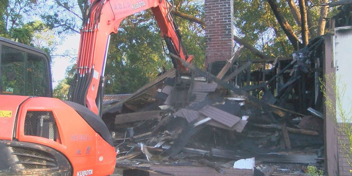 Blighted houses demolished in East Albany