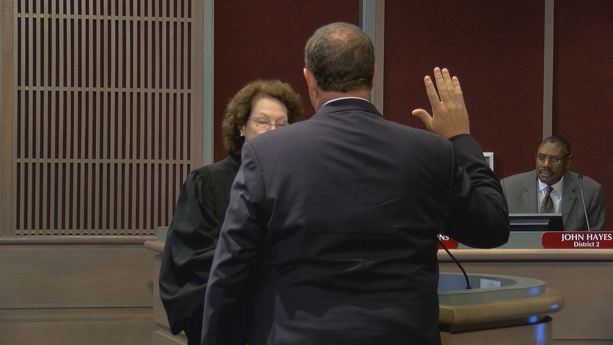 Gray sworn in as Dougherty Commissioner
