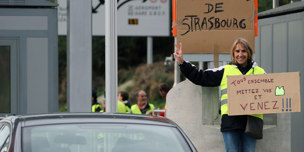 France: 6th 'yellow vest' protester dies in road accident