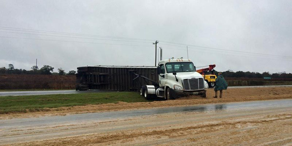 Hwy 82E blocked in Worth Co.