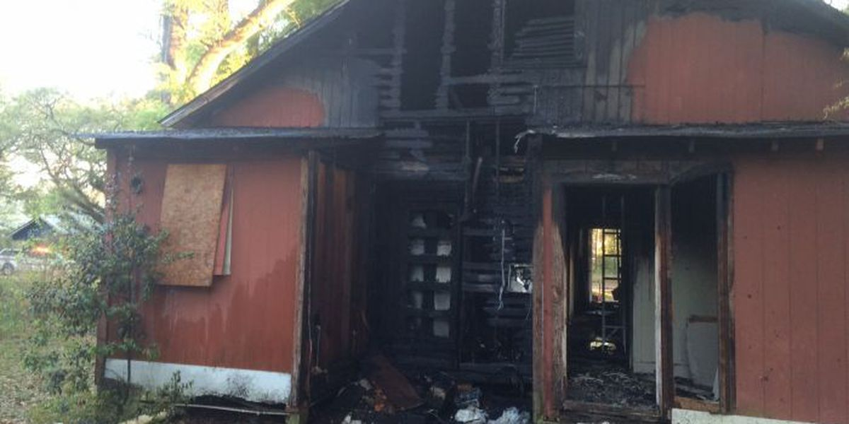 Abandoned Albany home catches fire