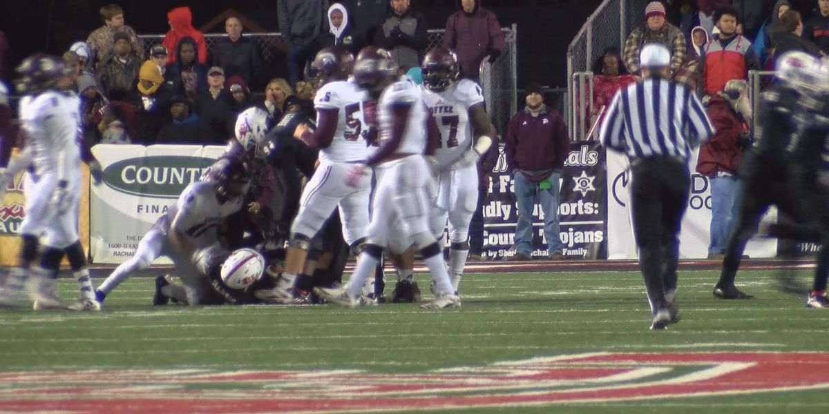 Lee Co. public safety greets thousands at state championship game