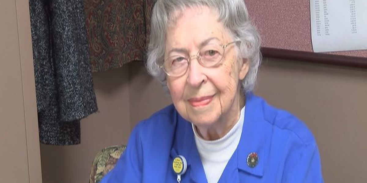 90-year-old woman uses voice to bring holiday cheer