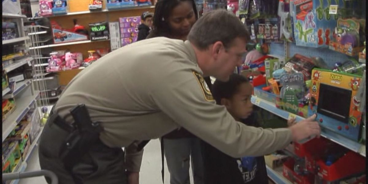 Valdosta 'Shop with a Cop' needs donations