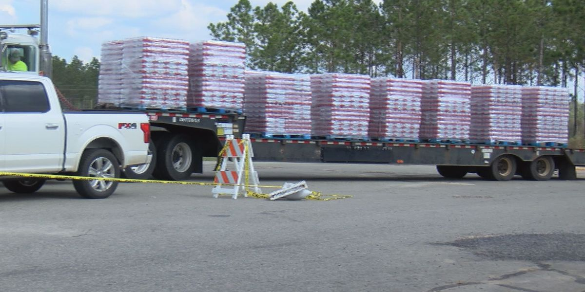 Water, meals given out by Red Cross, Sheriff's office in Worth County