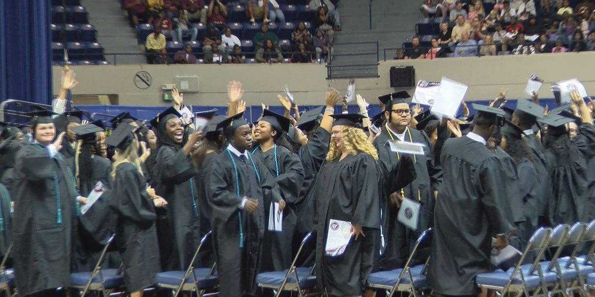 Graduates walk into their future at Albany Tech's commencement