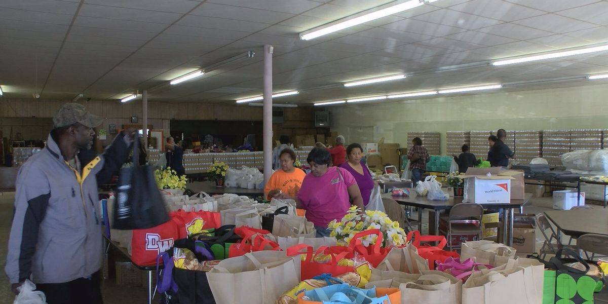 Several aid stations remain open in Albany