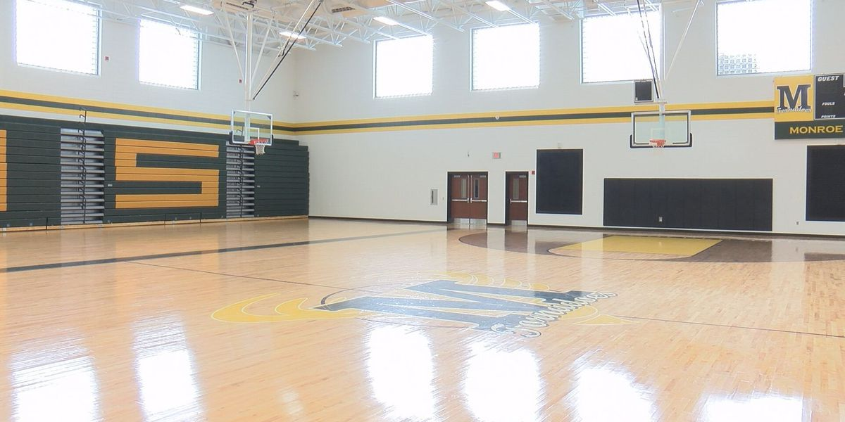 Monroe High dedicates new gym to former coach of 30 years