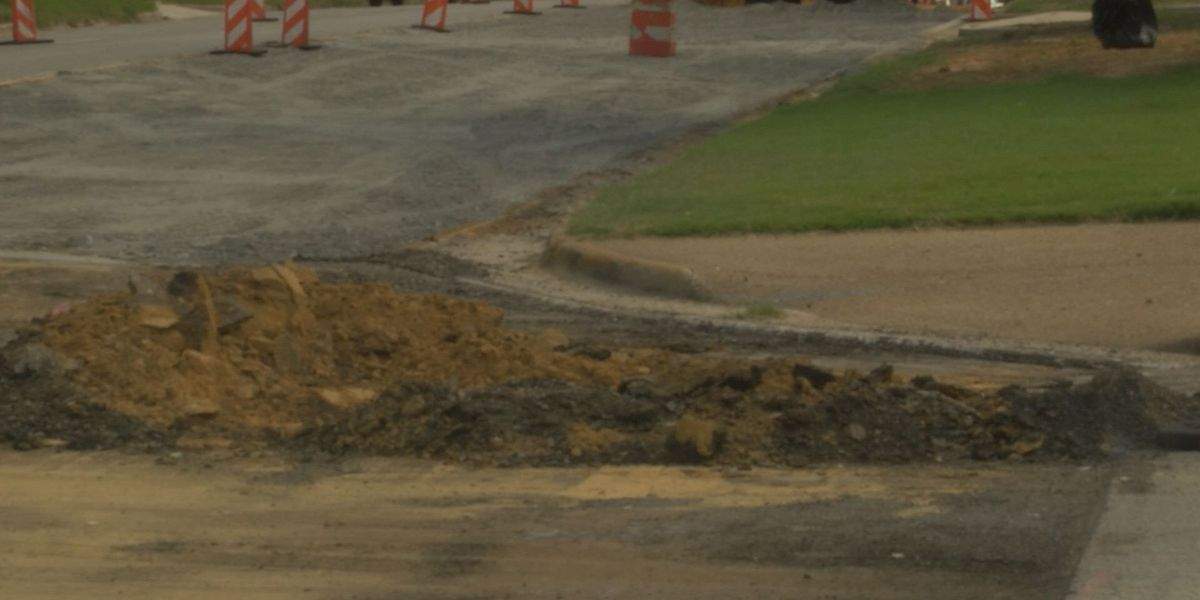Road work slows commute on 20th Street in Tifton