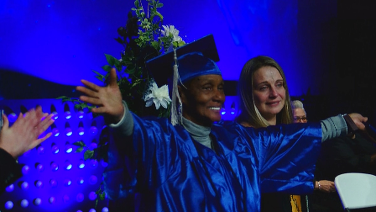 'Never give up': 75-year-old Myrtle Beach woman goes back to school, earns degree