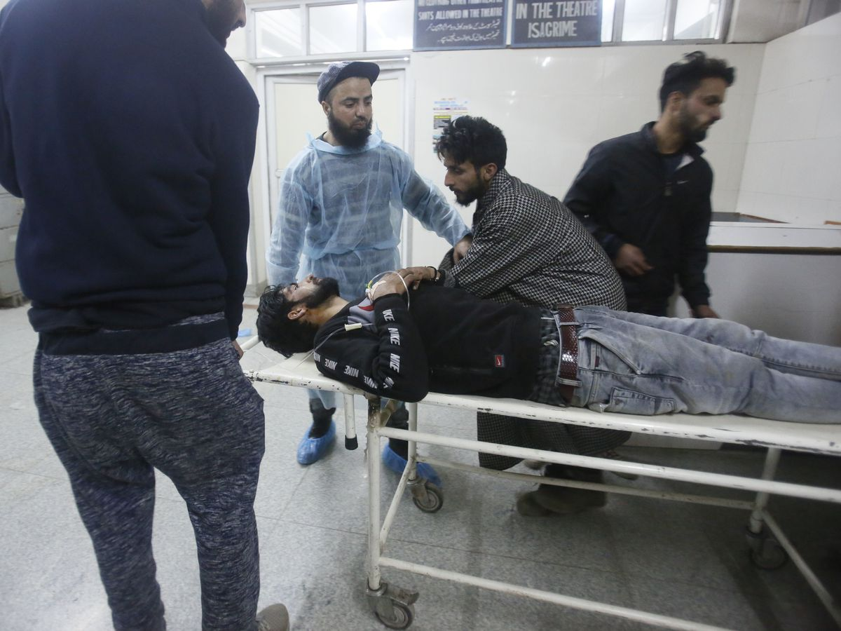 7 civilians, 4 combatants killed in Kashmir fighting