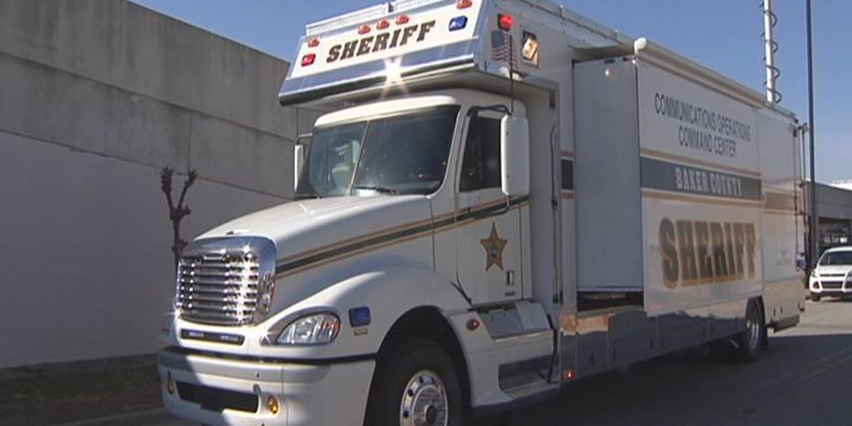 Albany Police check out mobile command center