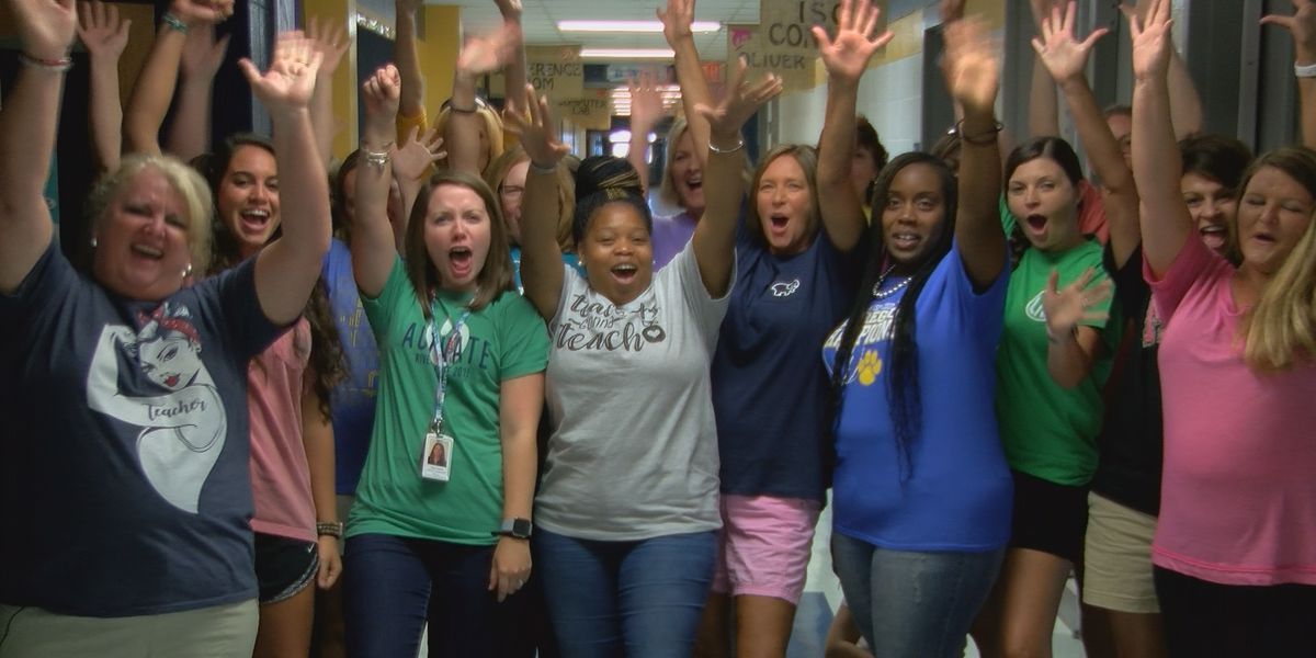 Remix: Crisp Co. Elementary goes back to school, heading down the 'Old Dirt Road'