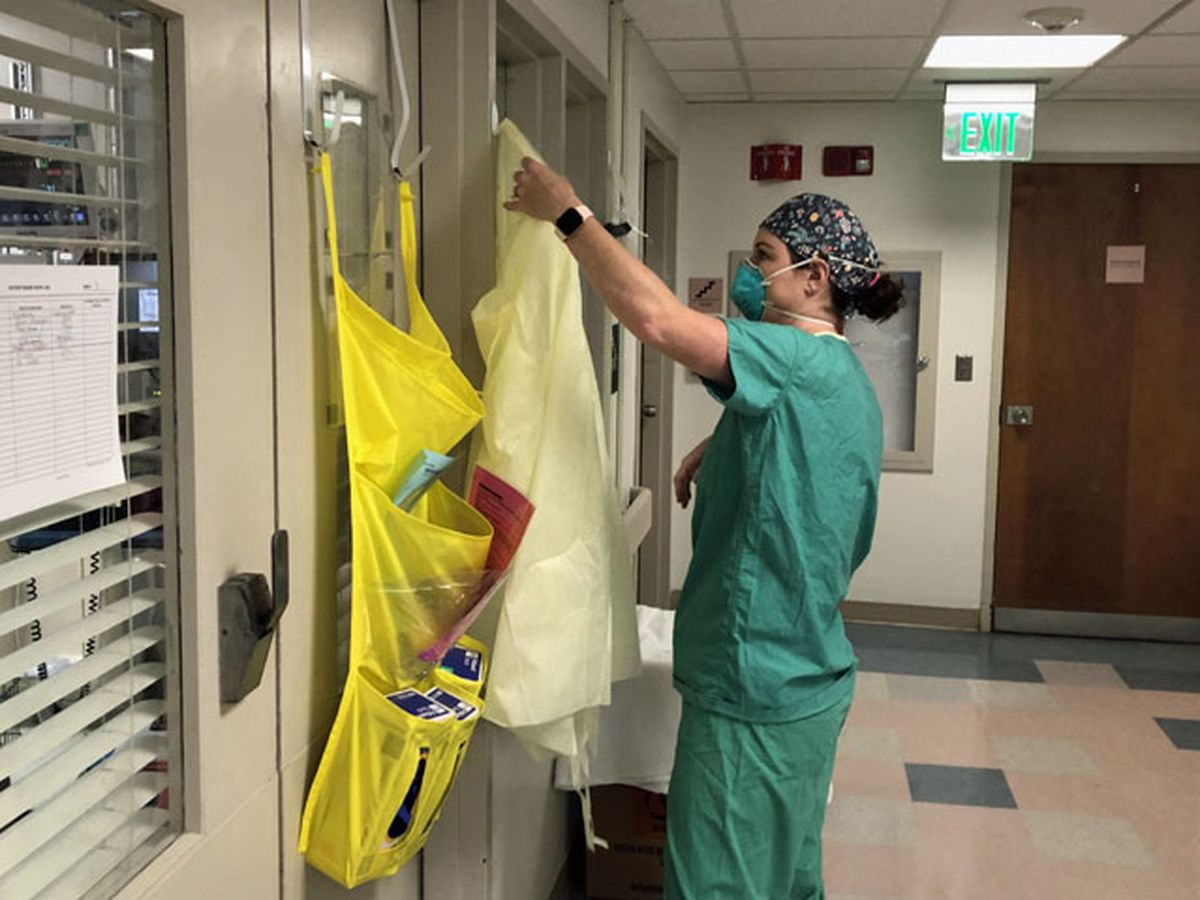 'They're passing away without loved ones:' Nurse helps dying patient speak to family one last time
