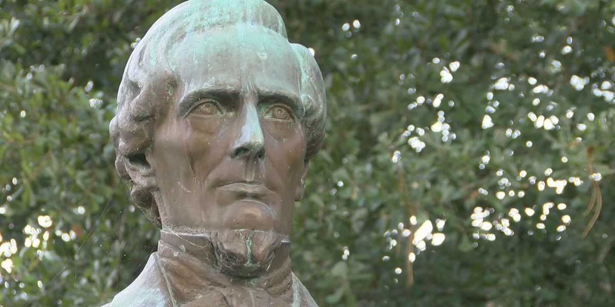 Group aims to keep Jefferson Davis Memorial Site open