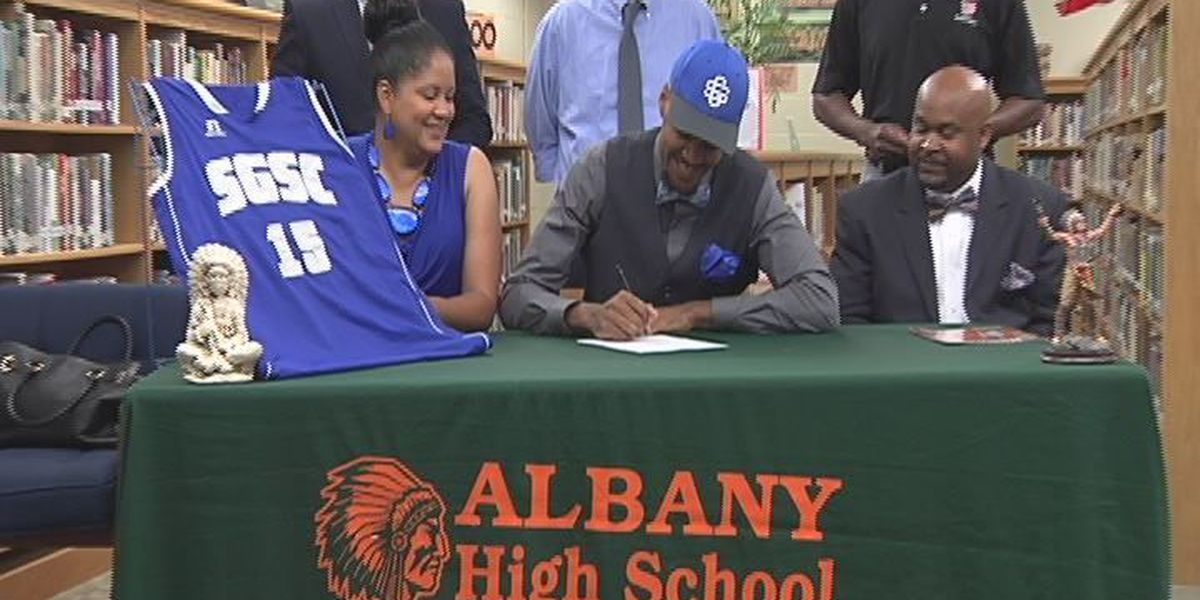 Albany High's Jordan Young signs with South Georgia State