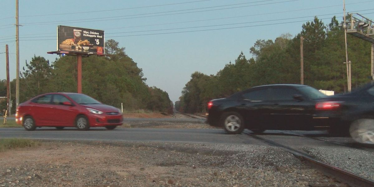 City leaders to work on problematic railroad crossings