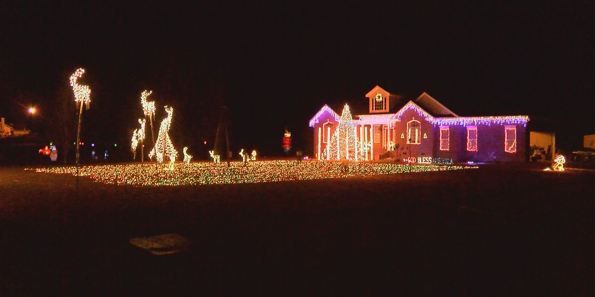 Sylvester's neighborhood light show shines for the 19th year in a row